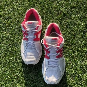 A pair of women's pre-owned Nike Downshift 5